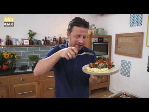 Джейми Оливер - Ореховый печеный батон с острым соусом на День Благодарения
