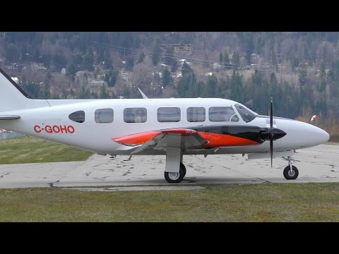 Piper PA-31-350 Navajo Chieftain Takeoff