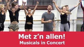 Alle sterren bij elkaar tijdens de repetitie voor MiC | Musicals in Concert 2015