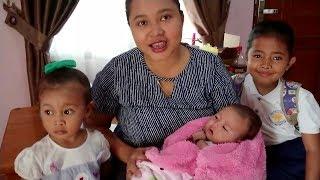 Morning Routine Ibu dan Balita Indonesia Mengurus Anak, Shinta Shanti dan Bayi Lucu Shindi