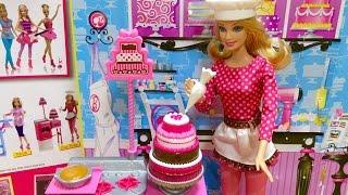 バービー のケーキ屋さんで遊びました。 今回はバービーがパティシエに...