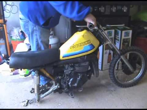 Compression Test of the 1980 Suzuki Rm 60 Dirtbike - YouTube