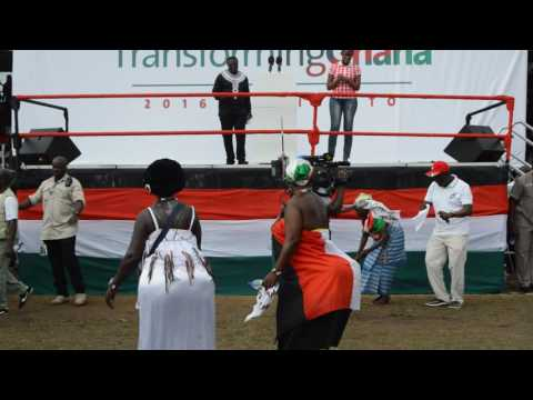 Old woman dances to Shatta Wale's 'Mahama Paper' at NDC Manifesto launch