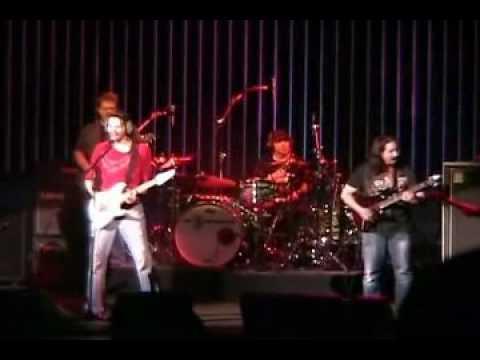 PAUL GILBERT, JOHN PETRUCCI &  JOE SATRIANI G3 - Foxy Lady  & Purple Haze