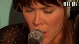 Beth Hart - Tell Her You Belong To Me (Live Acoustic)