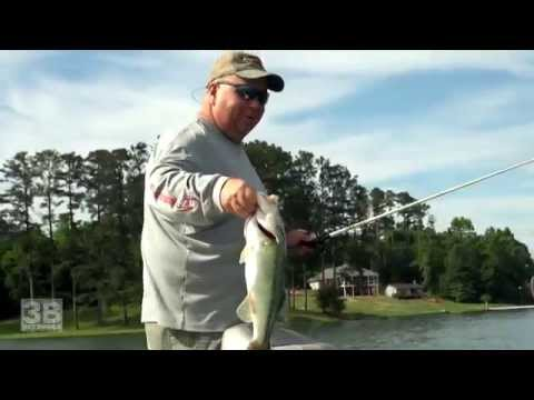 3B Outdoors TV - Lake Chickamauga, TN Bass Fishing S9E06