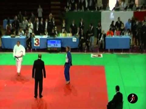 italiajudo.com_Camp Ita Assoluti 2011 - Lucia Tangorre vs Tania Ferrera - Finale +78 kg