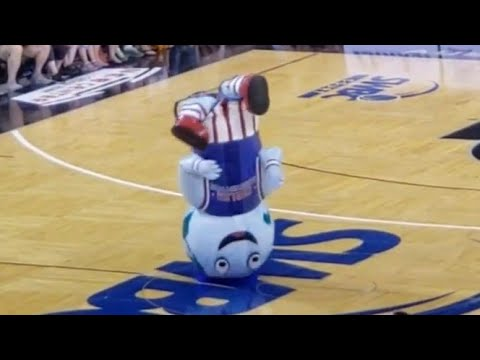 Harlem Globetrotters Big G performs in Austin Texas