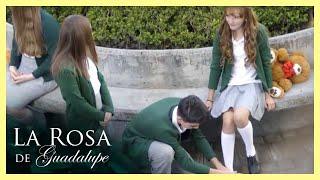 La Rosa de Guadalupe: Salvador es utilizado por su crush   El amor nunca…