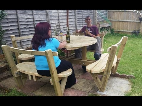 How to make a round 8 seater garden bench: great summer garden project for the garden or backyard