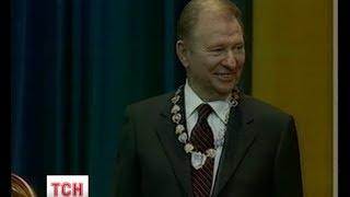 Інавгурації президентів: Кучма не тримався за Конституцію, а Ющенко її розцілував
