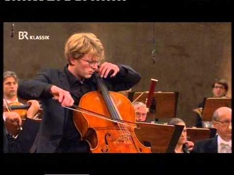 Dvorak Cello Concerto mvt 3- Julian Steckel