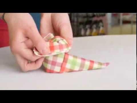 Pliage de serviette en botte de no l youtube - Pliage serviette theme mer ...