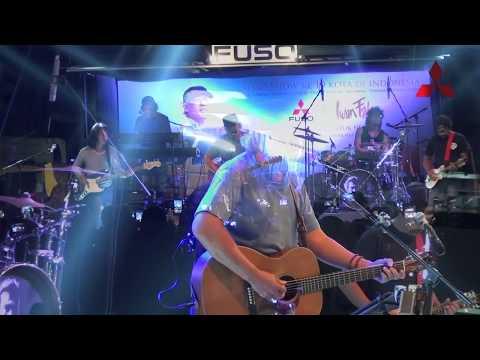 Tak Biru Lagi Lautku -  Iwan Fals  - Live Mitshubushi Cirebon