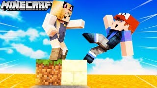 BELLA CHCE MNIE WRZUCIĆ DO LAWY! 🔥 (Minecraft Floor is Lava)   VITO VS BELLA