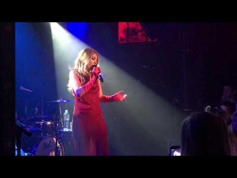 Haley Reinhart - I cant help falling in love 2017 Amsterdam
