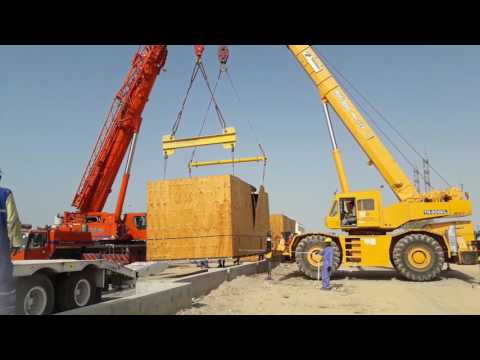Heavy Lifting With Spreader Beam And Bar
