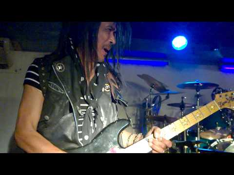 Lam Morrison 04 03 2014 The Loner, Gary Moore cover Blues Factory Pattaya