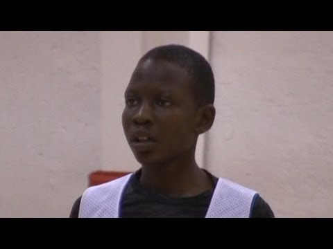 Manute Bol's son Bol Bol is a 6'5 seventh grader with RANGE like his dad - MiddleSchoolHoops.com