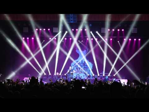 Three Days Grace - I Am Machine (Live)