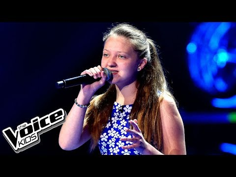 "Emilia Chlewicka – ""Runnin' (Lose It All)"" – Przesłuchania w ciemno – The Voice Kids Poland"