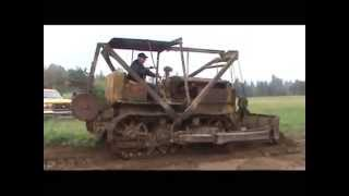 Repeat youtube video Antique 1937 Caterpillar RD 7 bulldozer Working