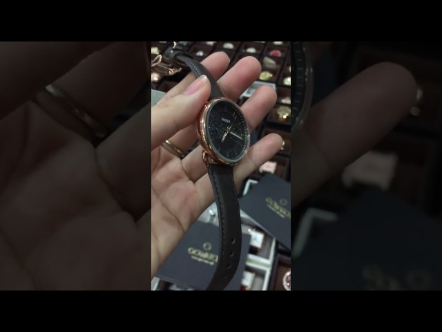 Fossil Womens Tailor ES3913 Grey Leather Quartz Watch