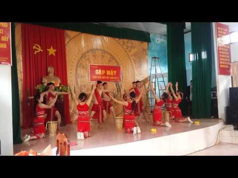 Âm Vang Tây  Nguyên  Tập Thể CBGV Trường THCS Trần Phú