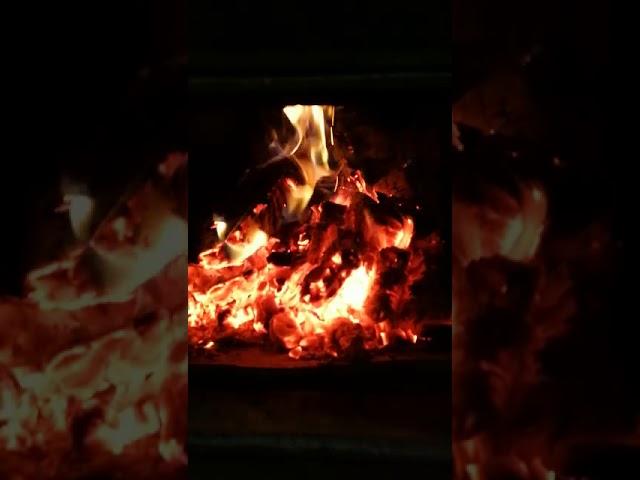 Можно бесконечно смотреть на огонь!