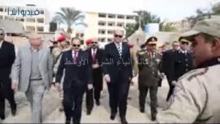 بالفيديو:محافظ مطروح ومدير الامن وقائد المنطقة الغربية يضعون اكليل الزهور على النصب التذكارى لشهداء