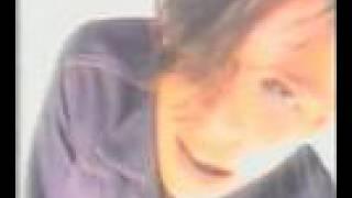 Смотреть клип песни: Мумий Тролль - Алло, попс!