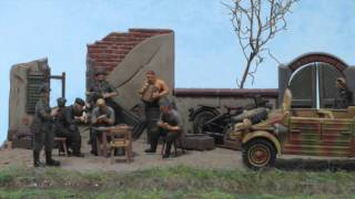 Diorama Sd.Kfz.251 And Kubelwagen In 1:72 Scale