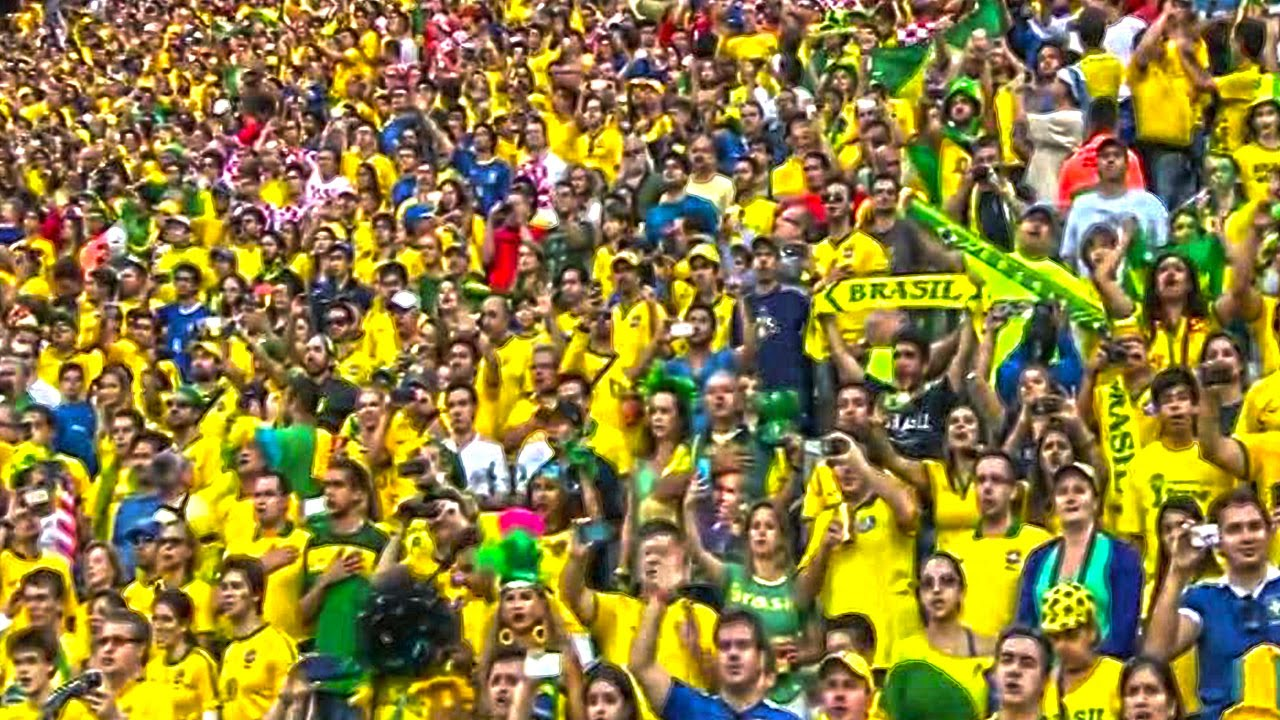 625e537428 TORCEDORES CANTANDO EU SOU BRASILEIRO COM MUITO ORGULHO NO JOGO BRASIL X  JAPAO 2016