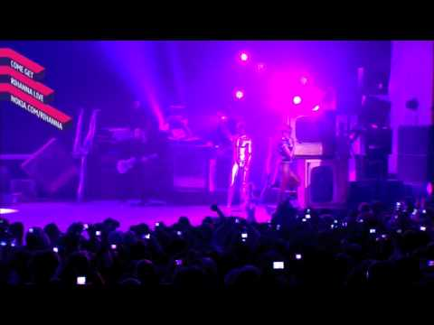 HD Rihanna - Don't Stop The Music Live (Nokia Concert In London)