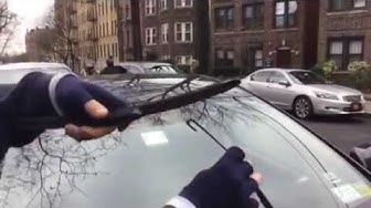 HOW TO Replace Toyota MATRIX wiper blades