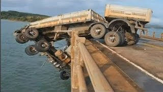 top heavy equipment accident caught on tape, most horrible truck, road truck accident