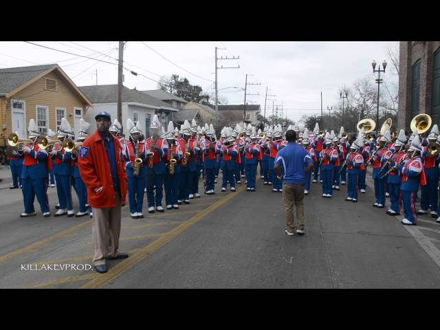 Belaire High School Marching Band - Keep Watching @ 2015 Orpheus Parade