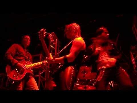 Modmobilian.com: Top Of The Orange With 3 Doors Down's Matt Roberts Bayfest 2010