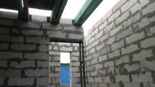 проем для лестницы на второй этаж(так как маленький проем для дверей и лестниц 1600мм, пришлось делать несущий столб с квадратной трубы. деревя..., 2013-10-26T19:52:57.000Z)