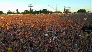 Robbie Williams - Intro + Let Me Entertain You - Live at Knebworth