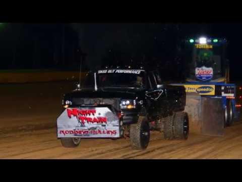 Truck Pull June 30 2016