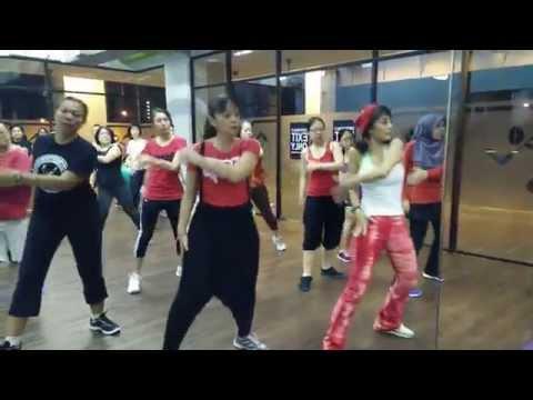 Zumba Fitness Malaysia - Sakitnya Tuh Di Sini by ZIN Sasa