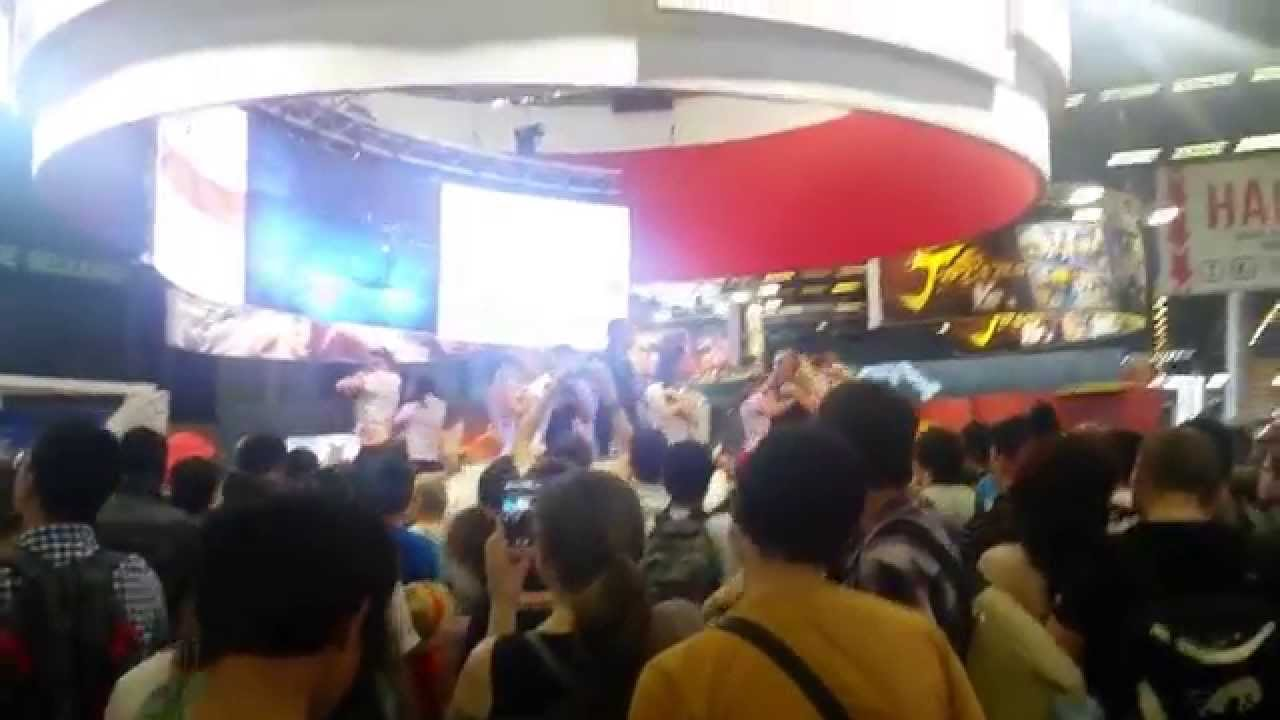 Stands Japan Expo 2015 : Japan expo dimanche stand bandai namco youtube