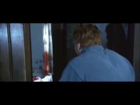 Dreamcatcher 2003 - Evil In The Bathroom