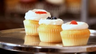 How to Decorate Cupcakes for Summer   Cupcake Tutorials