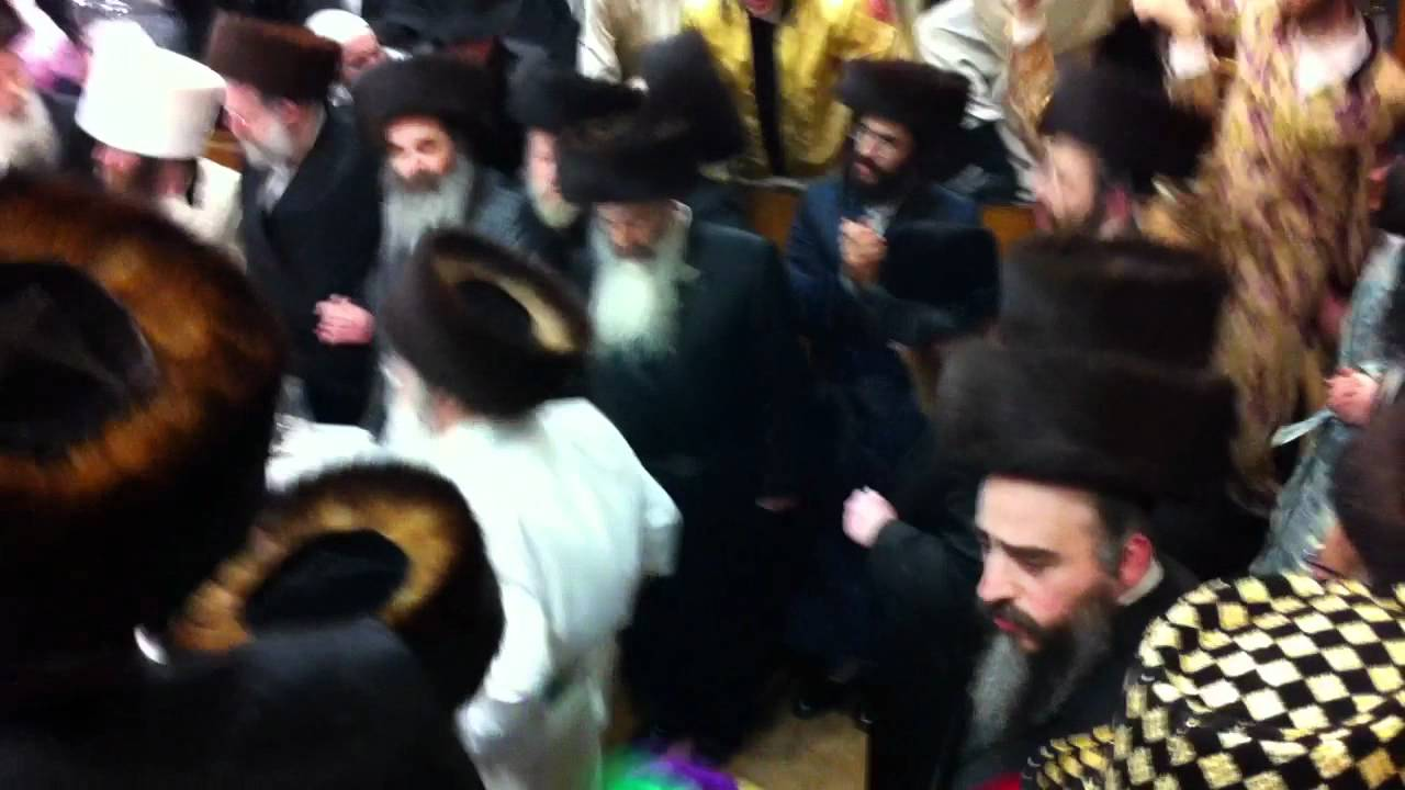 Sanz Klausenburg Rebbe dancing at the Purim Tish 2011