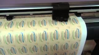 Изготовление наклеек, плоттерная резка(Наклейки изготовление. Плоттерная резка по меткам отпечатанных наклеек на пленке. Плоттер Mimaki CGFX-130. Белая..., 2014-10-28T07:46:11.000Z)
