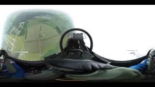 360 grader: Andreas Mogensen letter i F-16 under Danish Air Show 2016