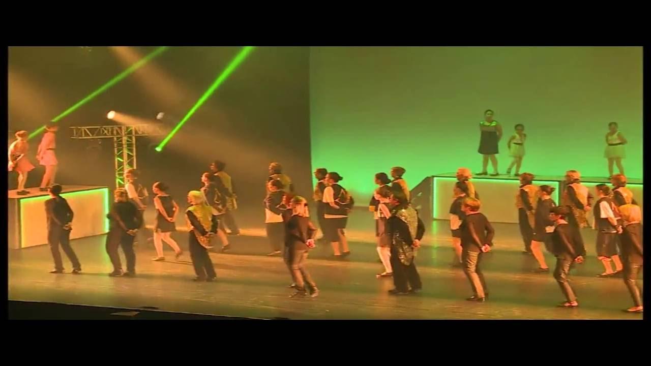 4bbef917cf5 Deuxième partie claquette du spectacle Contraste de MC Danse FLERS ...