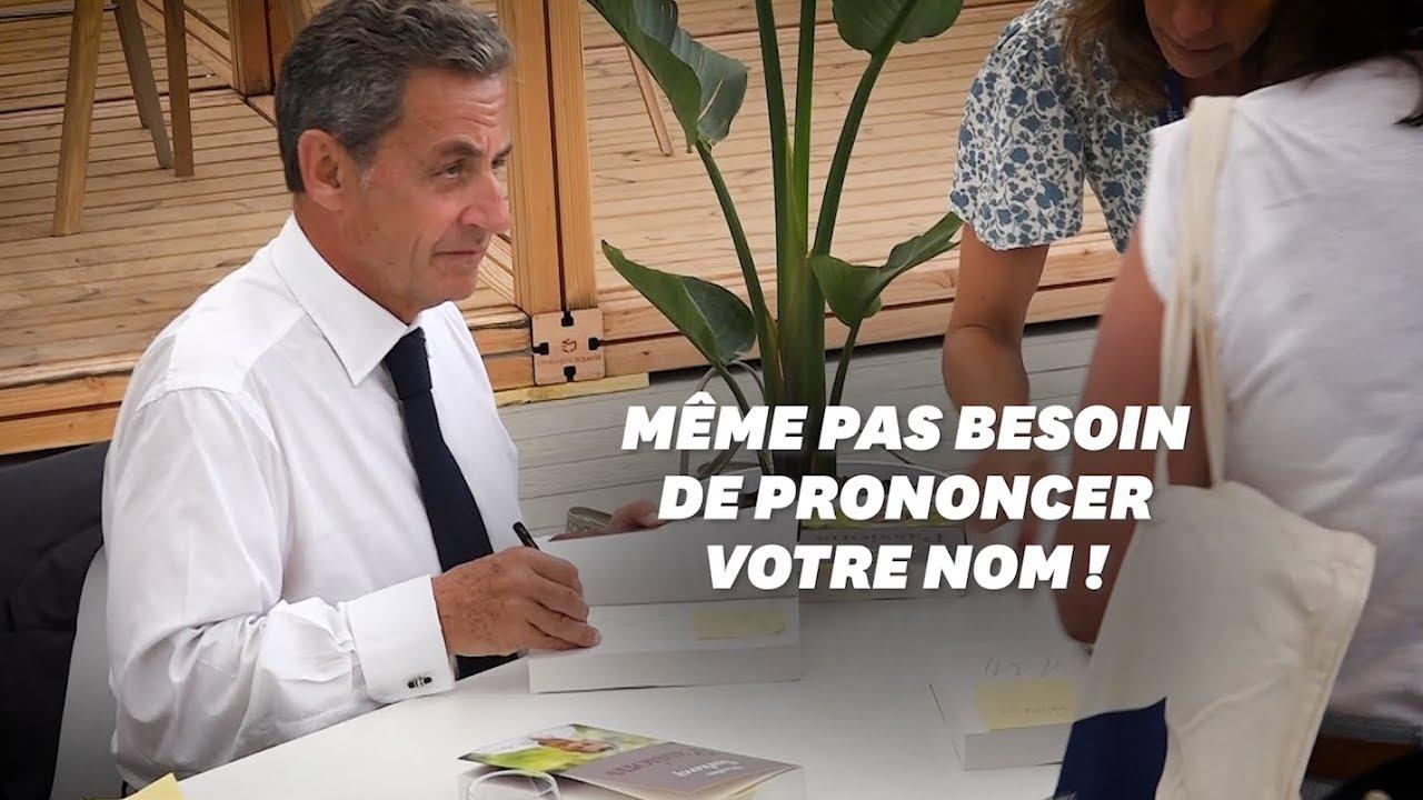 Sarkozy Dedicace Son Livre A Un Rythme Effrene Et Il A Une Astuce Youtube